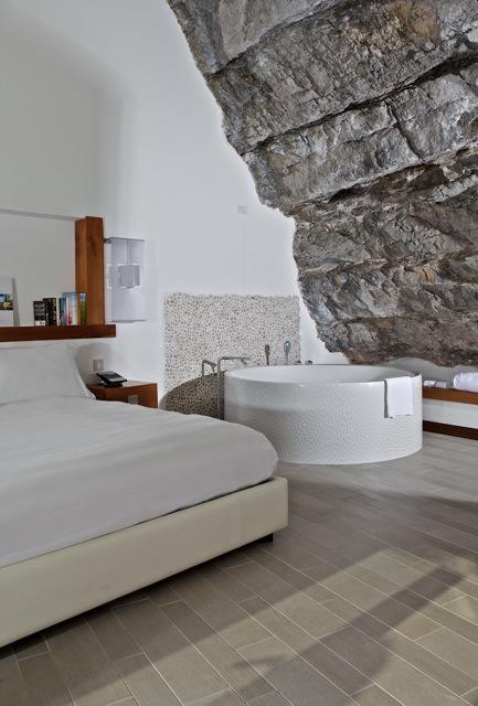 pared de roca en dormitorio