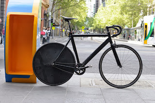 Melbourne Victoria Australia fixie fixed speed, spencer street urban the biketorialist tim macauley black sugino track frame FT-B carbon saddle cranks stealth