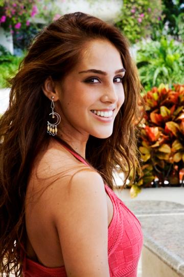 Sandra Echeverría photos