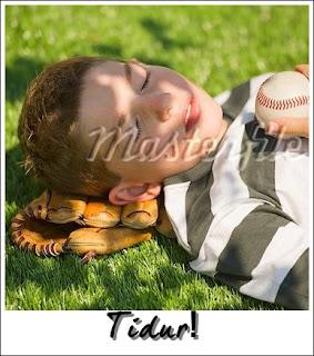 Jangan tidur atas glove sofbol anda