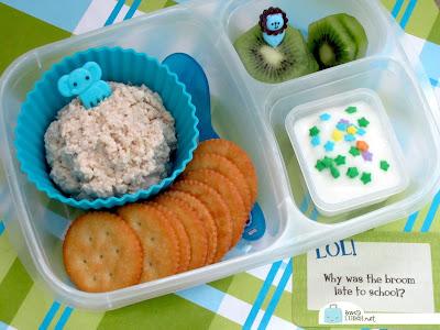BentoLunch.net - Homemade chicken salad & crackers bento in EasyLunchboxes