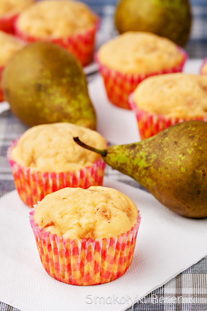 Muffiny śmietankowe z gruszką