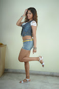 Komal Jha trendy Photo shoot Gallery-thumbnail-17