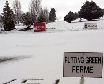 Putting green cerrado por nieve
