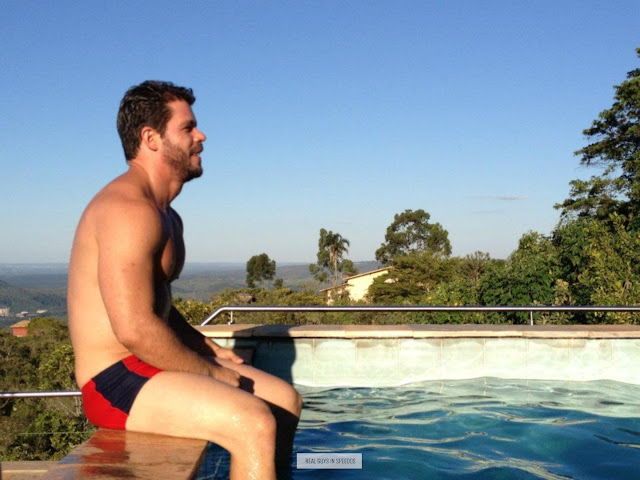 Real guys in speedos rgispeedos for Pool guy show