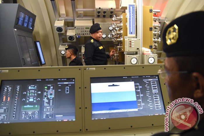 Simulator kapal selam TNI AL
