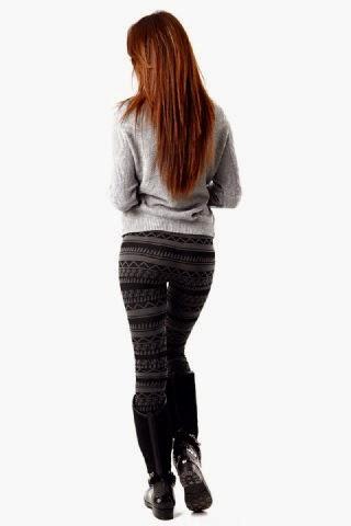 Taytlı ve dar pantolonlu kızlar dan güzel kalça resimleri