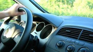 بحث يُثبت إمكانية اختراق سيارة والتحكم فيها بواسطة حاسب محمول