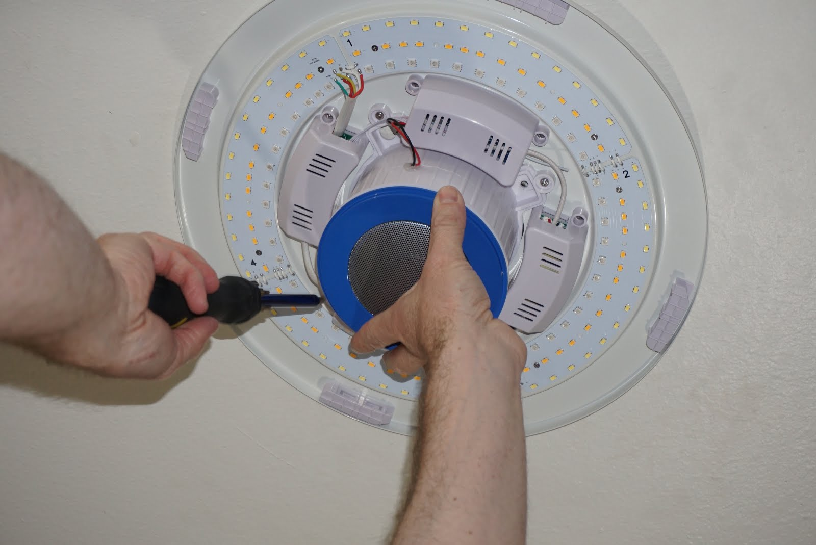 How to install and use the BB Bluetooth ceiling light and speaker ...