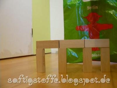 Mini-Brandenburger Tor aus Holzklötzchen