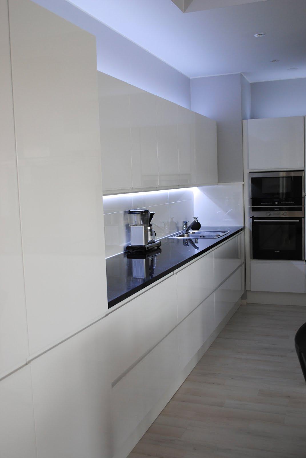 Vaihtoehto keittiön välitilan lasille  Modernisti kodikas  Idealista