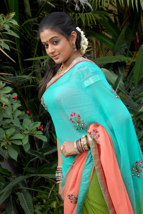 kannad movie lakshmi priyamani hot photoshoot