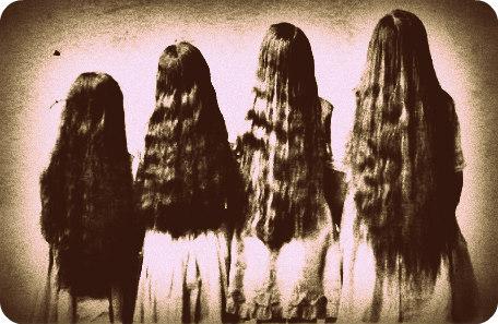 Ritratto di quattro ragazze di schiena