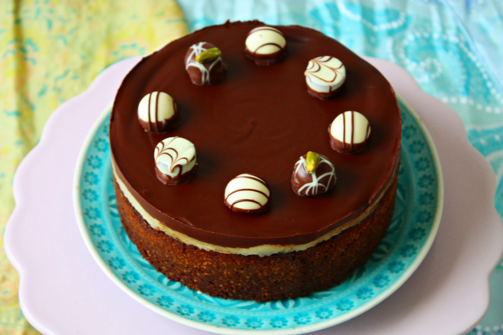 Mohn Marzipan Nusstorte mit Schokolade