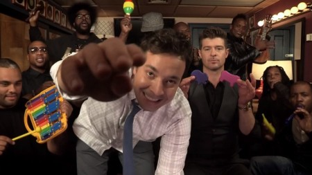 robin thicke and jimmy fallon play blurred lines using