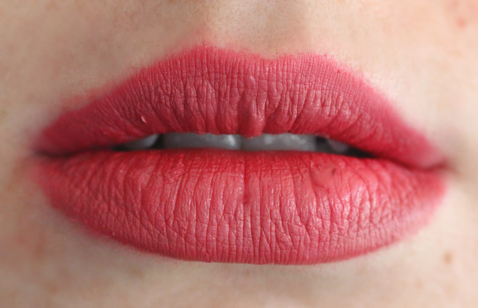 •Rimmel Provocalips Lip Colour - Make your Move 730 review swatches lip swatches lipswatch  גלוסברי בלוג איפור וטיפוח סקירה שפתון עמיד רימל פרובוקליפס