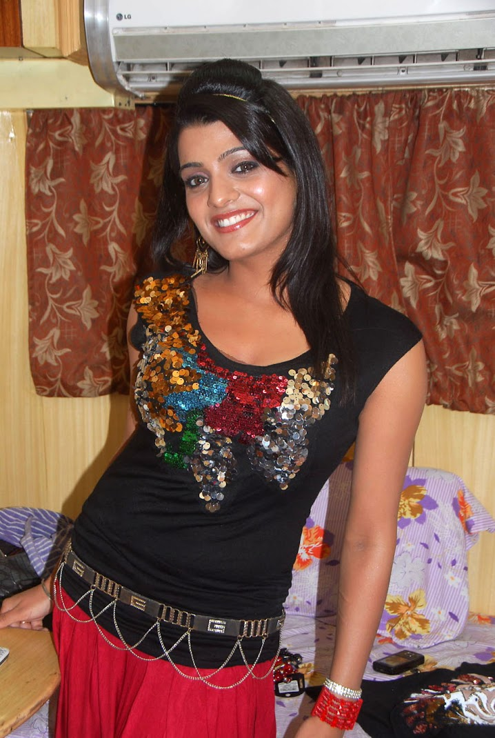 Tashu Kaushik Photo Gallery