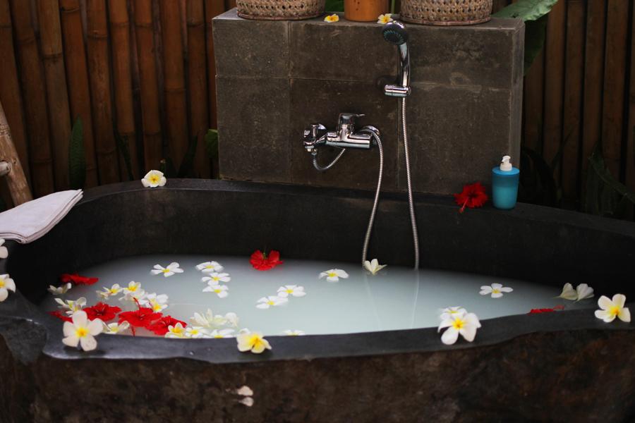 the lovina spa milk bath