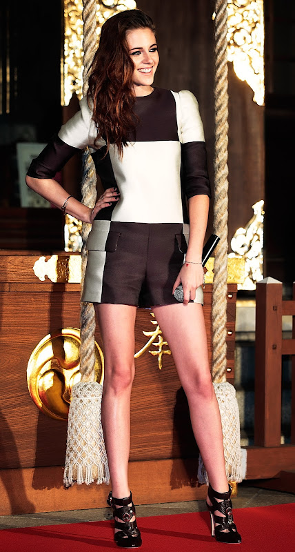 Kristen Stewart at Breaking Dawn 2 fan event in Tokyo Japan