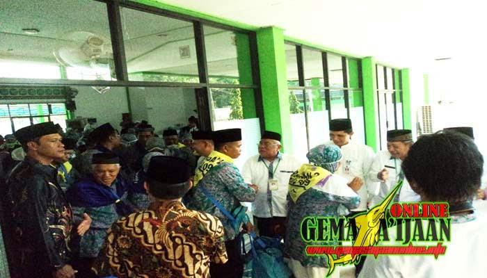 Calon Haji Kotabaru Tinggalkan Tanah Air