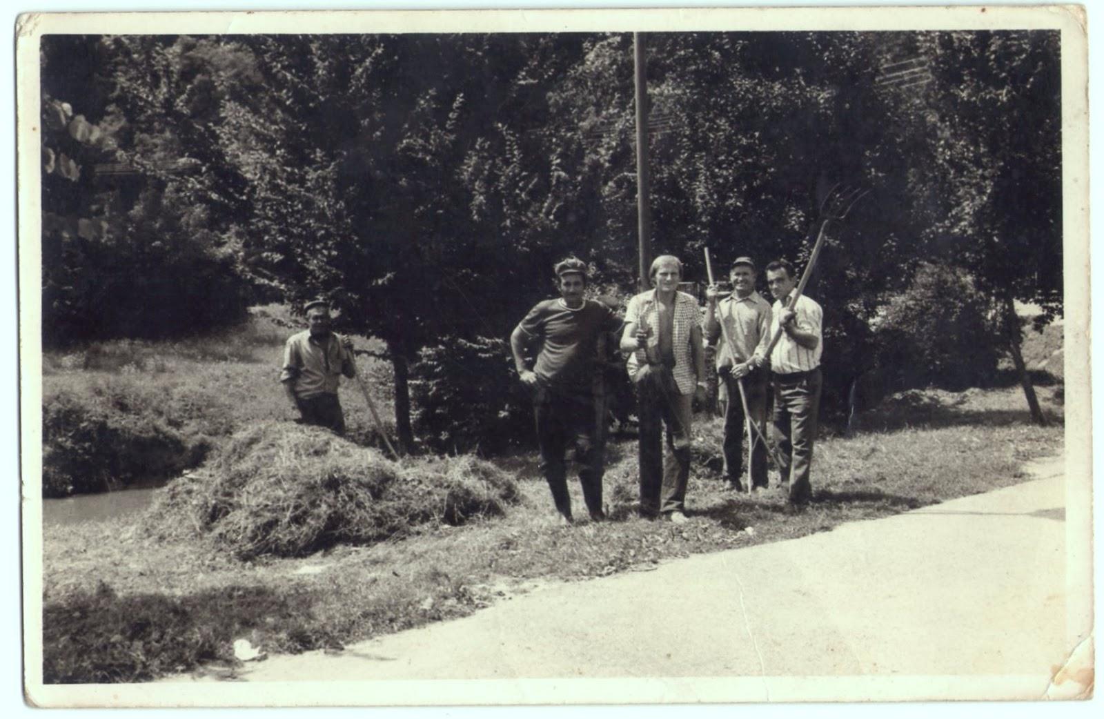 U valpovačkom perivoju oko 1980.