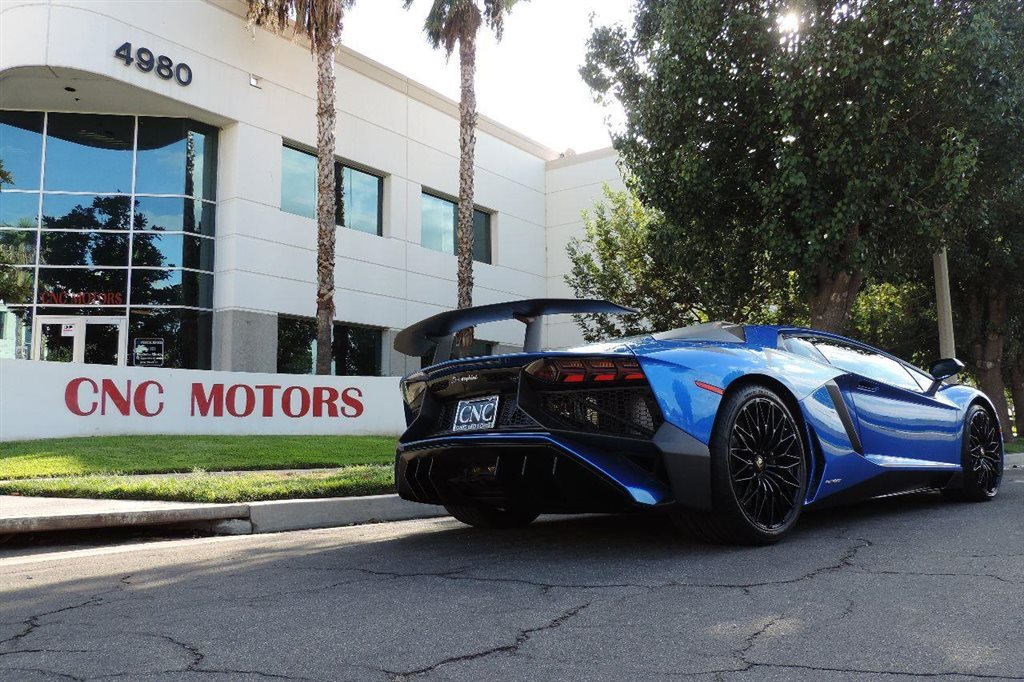 photo gallery - Lamborghini Black And Blue