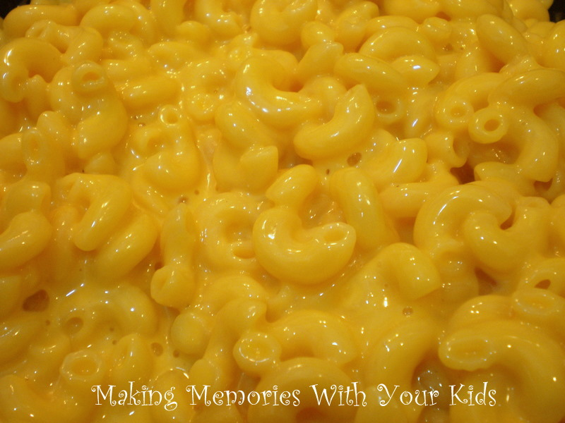 Crazy Cooking Challenge} Creamy Stove Top Macaroni and Cheese ...