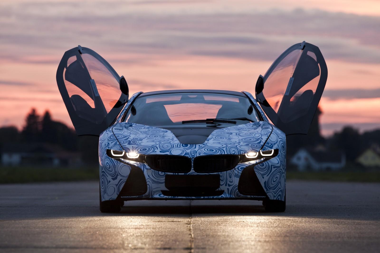 http://1.bp.blogspot.com/-t-QmR8GZvRE/Ts88S5bp1zI/AAAAAAAAAMg/d5xPqM7KA4w/s1600/BMW-i8-concept.jpg