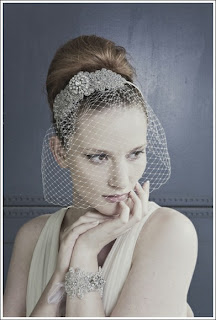 Vintage hair accessory and veil-debbie carlisle-via Absolute Perfection