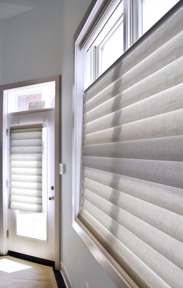 Allure WT | Hunter Douglas White Hobbled Roman Shades