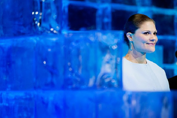 Queen Silvia, Crown Princess Victoria, Prince Daniel, Princess Estelle, Prince Carl Philip, Princess Sofia, Princess Madeleine, Mr Christopher O'Neill, Princess Leonore, Prince Nicolas dresses jewel diamond, earrings, mango, baracelet