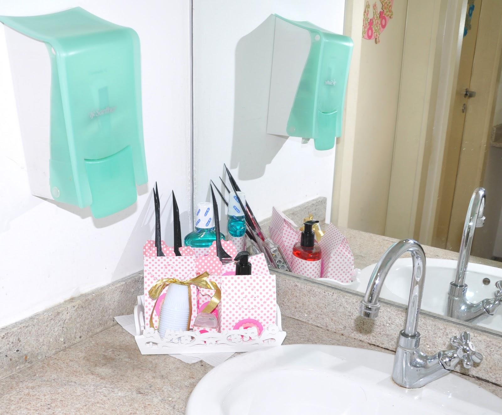 Mirabolarte  Scrapbook e Cartonagem DE REPENTE 30! VIVI -> Kit Banheiro Feminino