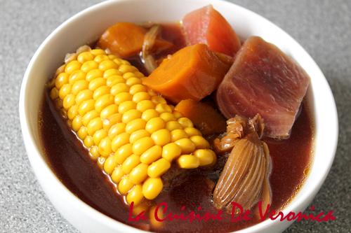 紅菜頭湯 紅菜頭紅蘿蔔粟米煲瘦肉 Beetroot Soup