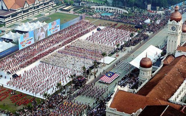 bendera malaysia terbalik