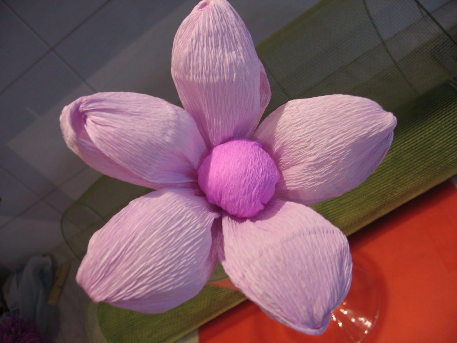 Dalla a allo zucchero fiori di carta crespa fleur bomb for Fiori con la l