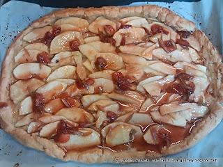 Crostata de Manzana con Salsa de Fresas y Ron - Apple Crostata with Strawberry Sauce and Rum (Italy)