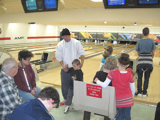 Dixie Landers and friends gather at bowling outing