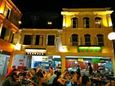 Weekend crowd at Malaysian Food Street Resorts World Sentosa