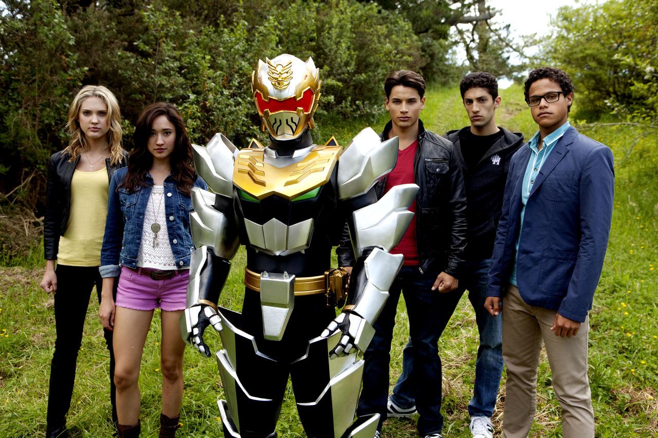 http://1.bp.blogspot.com/-t124Jb599oI/UPbpjsJulxI/AAAAAAAAQdg/l5PAxS1VmZ8/s1600/Nickelodeon-Saban-Brands-Power-Rangers-Megaforce-Mega-Force-Cast-Ranger.jpg