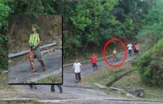 Siapa lelaki misteri yang tiba-tiba muncul dalam gambar viral ini?