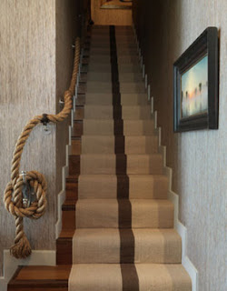 The handle of the stair by rope