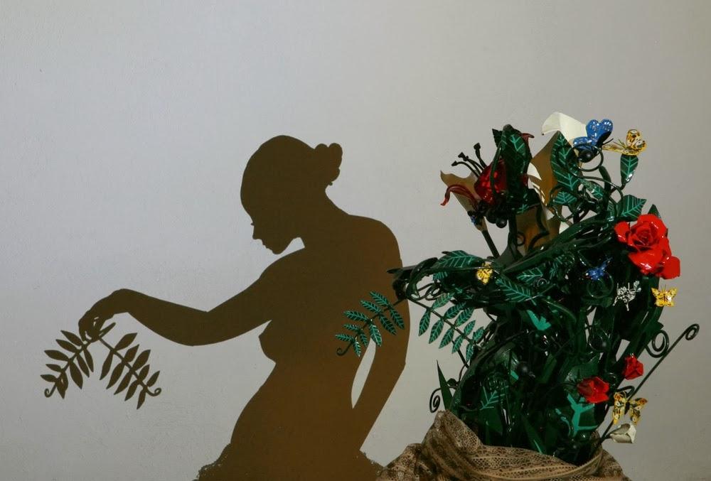 04-Muse-Shadow-Art-Teodosio-Sectio-Aurea-Shadow-Art-www-designstack-co