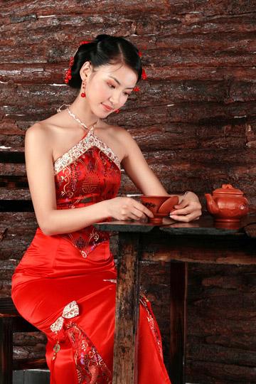 Chinese wedding red dress ambrella design