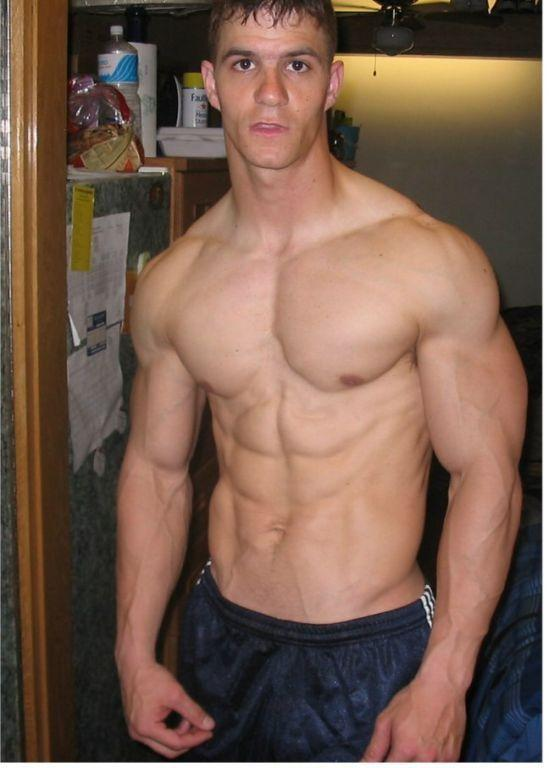 Guys ePaper http://xguymedia.blogspot.com/2011/06/young-muscle-men-flexing-biceps.html