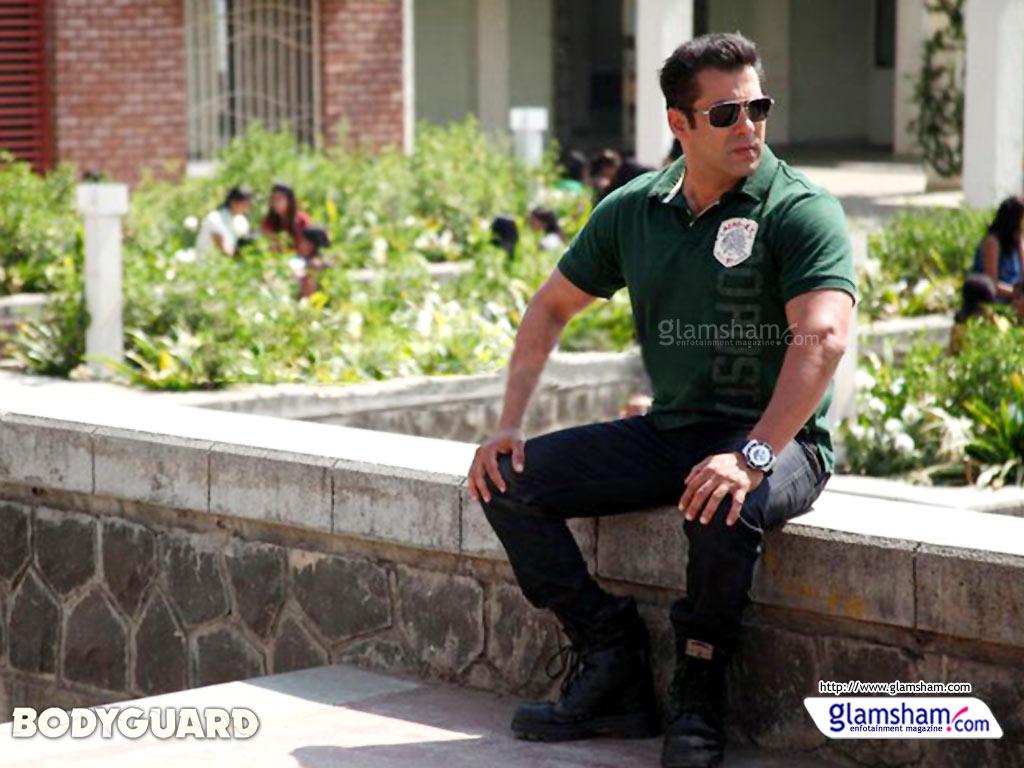http://1.bp.blogspot.com/-t23HN9FOqdU/TrU6UgW4VxI/AAAAAAAAEbs/UWgcmsm_82Y/s1600/bodyguard-wallpaper-40-10x7.jpg