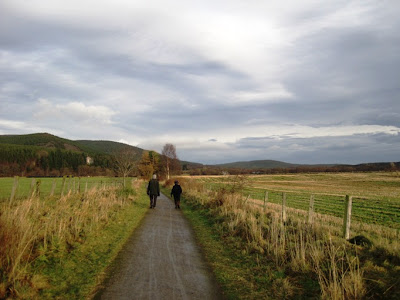 Deeside walks: along the Deeside Way towards Cambus o'May