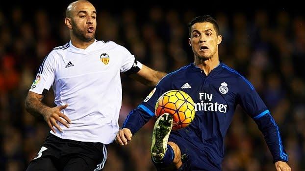 Real empata com Valencia, demite Benítez e anuncia Zidane como novo técnico