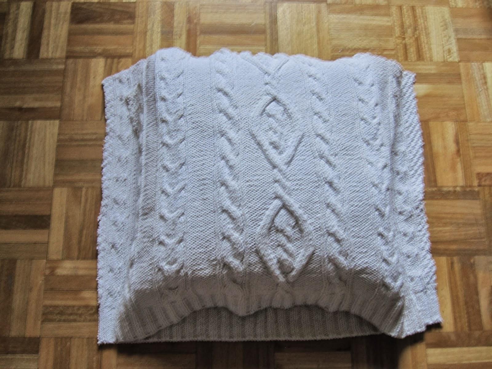 El arte de las cosas nimias c mo hacer un coj n con un - Como hacer un jersey de punto ...