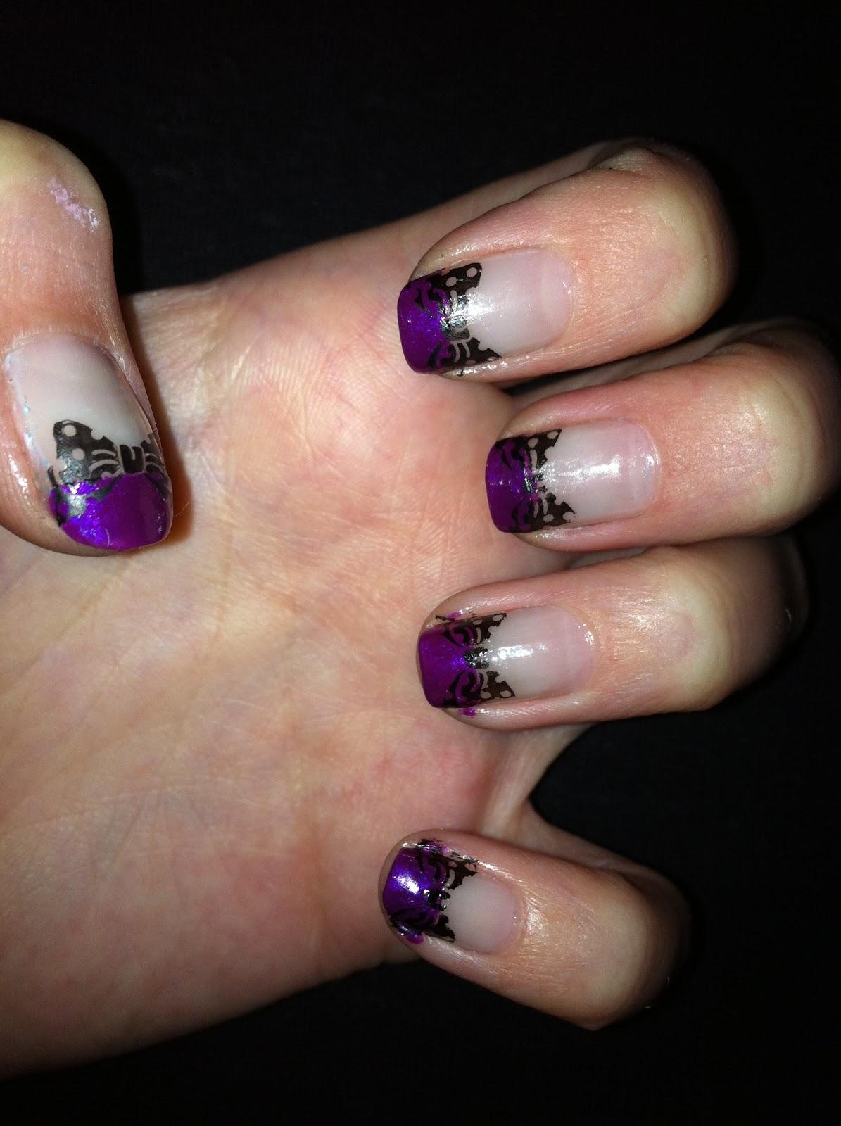 Möndchen - Nails, Fashion & Co: Lila French mit Schleifchen