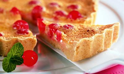 Receita de Torta de chocolate branco com cereja